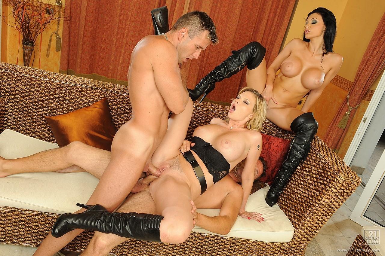 Смотреть онлайн элитное порно 3 фотография
